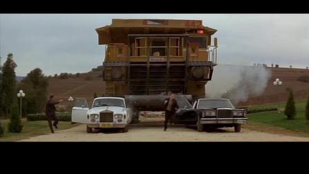 一个好人: 成龙大哥这车太霸气, 什么豪车都比不了全都碾碎