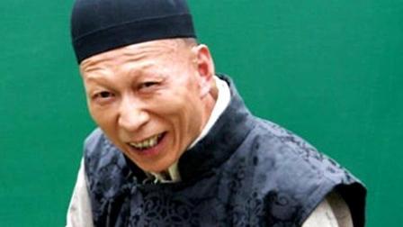 """和黄晓明、赵薇是同学, 被评为""""最丑男星"""", 专演汉奸和坏人"""