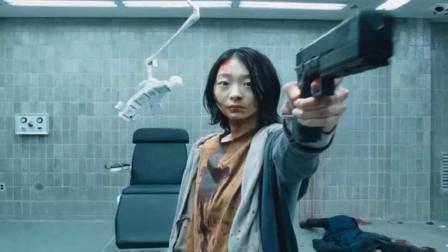 女孩从小被改造成超能力者, 智商和战斗力超群! 一部悬疑科幻电影
