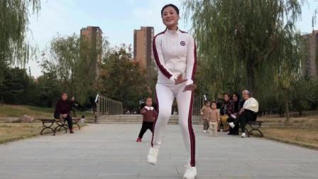 10月最新经典40步鬼步舞《疯狂爱一回DJ》喜欢请留言哦青青世界广场舞