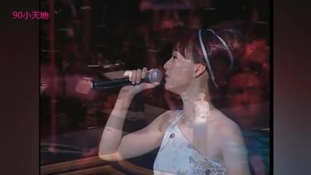 多少人是靠她的歌声度过失眠的夜晚, 一首首情歌是无法超越的经典