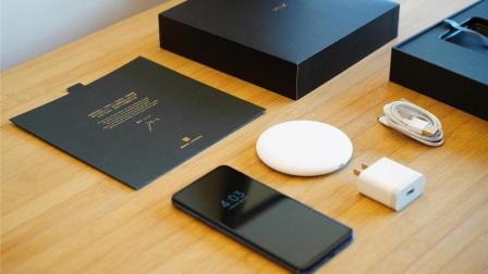 小米MIX3首发开箱: 良心标配无线充电器这个滑盖有点意思