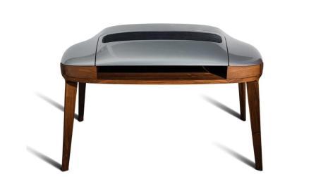 世界上最贵的书桌, 用保时捷引擎盖打造, 全球只有3张!