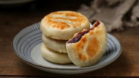 北方媳妇教你做豆沙饼, 薄皮馅大、香甜美味, 比外面卖的好吃多了