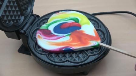 把一个心形棒棒糖放到电饼铛里, 看到它的惨状, 你还能吃下去吗?