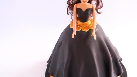 漂亮的迪士尼公主蛋糕做好了! 穿黑色礼服的公主, 你能叫出她的名字吗