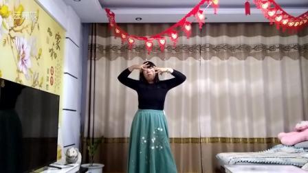 美女跳广场舞《沙漠骆驼》跳得真好, 看了一千次!