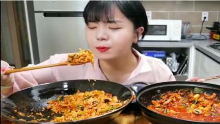 俏皮妹子吃韩国拌饭, 看这表情我都馋了!