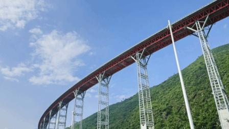 中国真正的天路, 240公里全程高架, 没有一处是平地的超级工程