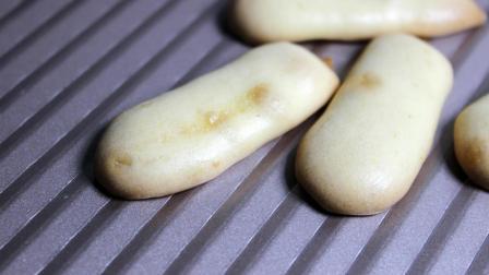无添加蛋黄酥手指小饼干的做法 屋子里满是饼干的香味