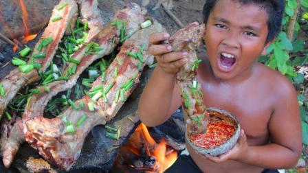 荒野熊孩子的美食, 用石板烤排骨比爆炒还美味, 吃起来香喷喷哒