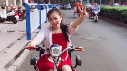 河南新乡90后残疾女孩, 虽然行动不便, 依然可以活的很漂亮