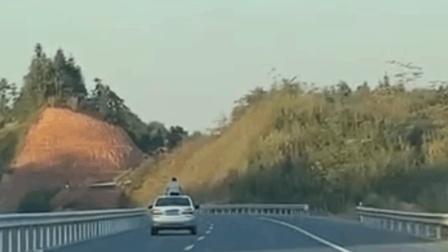 国内近期车祸合集 第三五十七期 (重庆坠江公交已确定共15人, 或全部遇难)