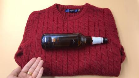 毛衣粘毛不要买滚刷, 只需一个瓶子, 衣服比新买的还要干净!