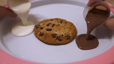 神奇的玩具炒冰机! 巧克力曲奇和酸奶倒上去, 转眼就成冰淇淋卷了