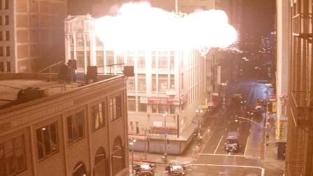 成龙经典影片《尖峰时刻1》: 绑匪给设了陷阱, 整层楼被炸成齑粉