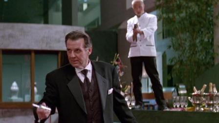 成龙经典影片《尖峰时刻1》: 幕后最大的黑手竟是政府官员