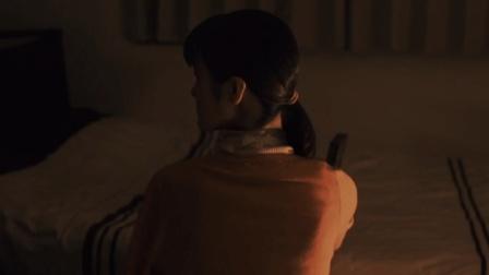 女孩得到神秘八音盒, 实现愿望的同时, 也会扭断自己的脖子!