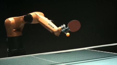 老外发明乒乓球机器人, 能精确预测运动轨迹, 打得过中国小学生吗