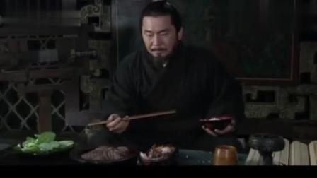 听闻战败, 正在吃饭的曹操这个反应, 不愧是天下枭雄