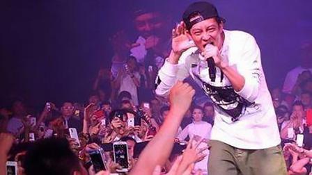 曾经红极一时的华语歌手, 如今惨淡, 这些自毁前程的歌手可惜吗?