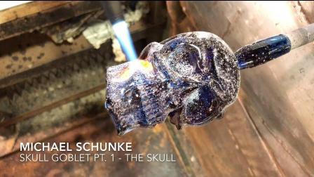 看琉璃大师如何烧制晶莹剔透的水晶骷髅