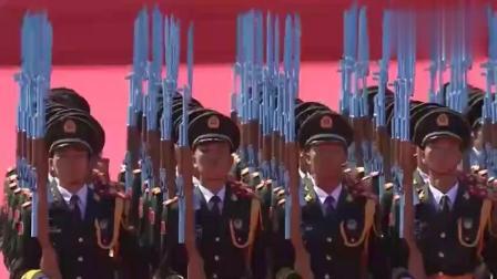 场面震撼壮观 中国阅兵上的国旗护卫队 霸气威武