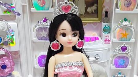 芭比公主娃娃派对盛装佩戴钻石皇冠项链耳坠水晶高跟鞋学颜色搭配