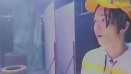 中国有嘻哈: GAI燃炸献唱《苦行僧》张震岳: 真的很会唱!