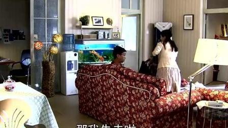 恋恋不忘: 童童和吴桐去购物 童童快乐得像猴子一样乱蹦乱跳的!