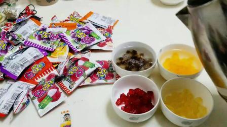 """实验将200颗""""旺仔qq糖""""用开水融化, 变成饮料, 和果汁有区别吗"""