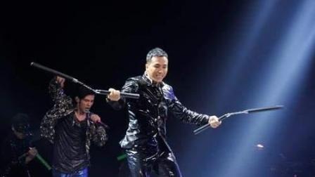 甄子丹狂耍双截棍, 突然出现在周杰伦演唱会上, 好潇洒! 歌与武的结合好棒!