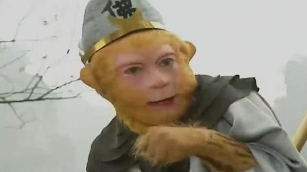 这么多小妖! 看来得使出杀手锏了, 孙悟空一吹就变出许多小猴子