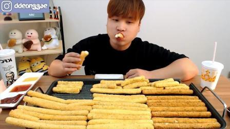 韩国大胃王胖哥, 吃特色小油条, 蘸着奶油一口吃一根
