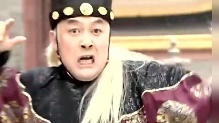 曹正淳追杀盗贼 没想到中途杀出一个神秘男 还破了他的童子功!