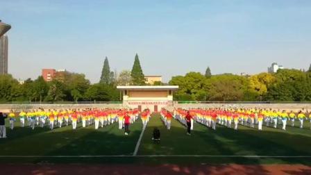 湖北荆州梦之队近200队员激情演绎中国梦之队快乐之舞健身操--拍手运动