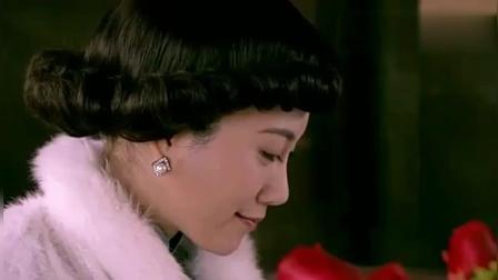 如锦: 少夫人收到花送给下人, 透过门缝看到了夫君的神情!