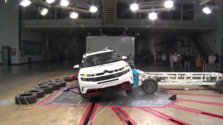 雪铁龙天逸碰撞测试, 后排存潜在安全隐患