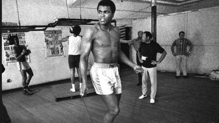 当拳击手开始跳绳, 专业跳绳的都得靠边站!