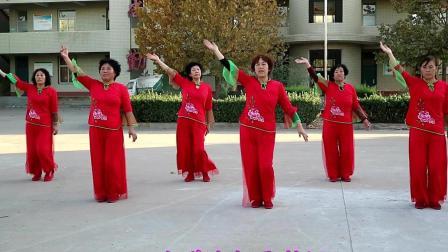 农村姐妹广场舞: 八百里洞庭我的家 歌声豪迈, 舞蹈简单好学