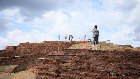 世界上最霸气的古国之一, 修建在180米巨岩之上, 深藏密林几千年!
