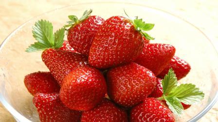 草莓夹心巧克力做法