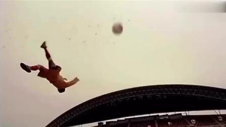 守门员, 再猛的球都能拦回去