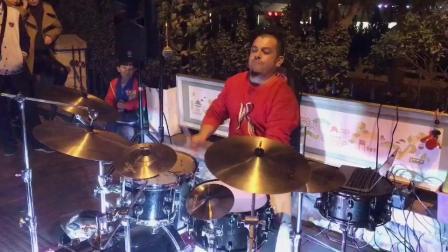 #街头表演# 高手在街头, 鼓手: 保罗(巴西), 贝斯: 张哲