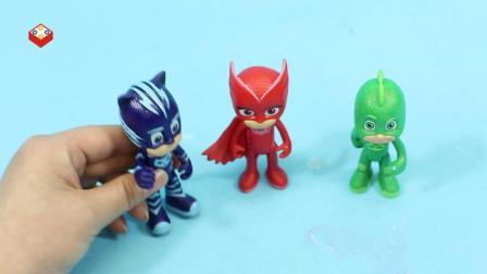 睡衣小英雄猫小子给猫头鹰女和飞壁侠讲燕子学艺的故事
