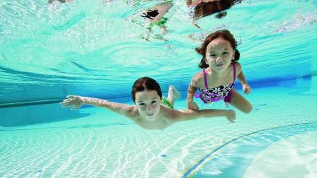 长期在水里睁着眼睛游泳, 会有什么后果?
