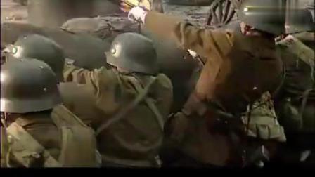 日军炮兵打得正爽, 没想到国军突袭到身后, 跑的机会都没有