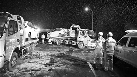 15死44伤 兰州收费站交通事故分析