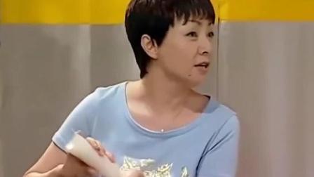 家有儿女: 亲妈买了哈根达斯冰淇淋蛋糕, 刘星: 有哈根达斯, 还吃什么破冰棍!