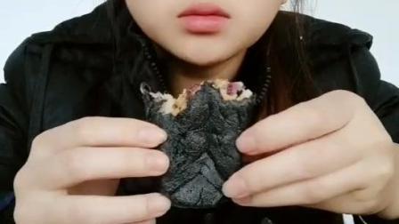 竹炭紫薯肉松麻薯an竹炭鱿鱼麻薯+红豆绿豆薏米粥妈妈味
